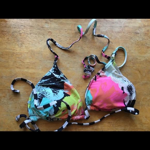 Volcom Womens Stay Tuned Reversible Triangle Bikini Top